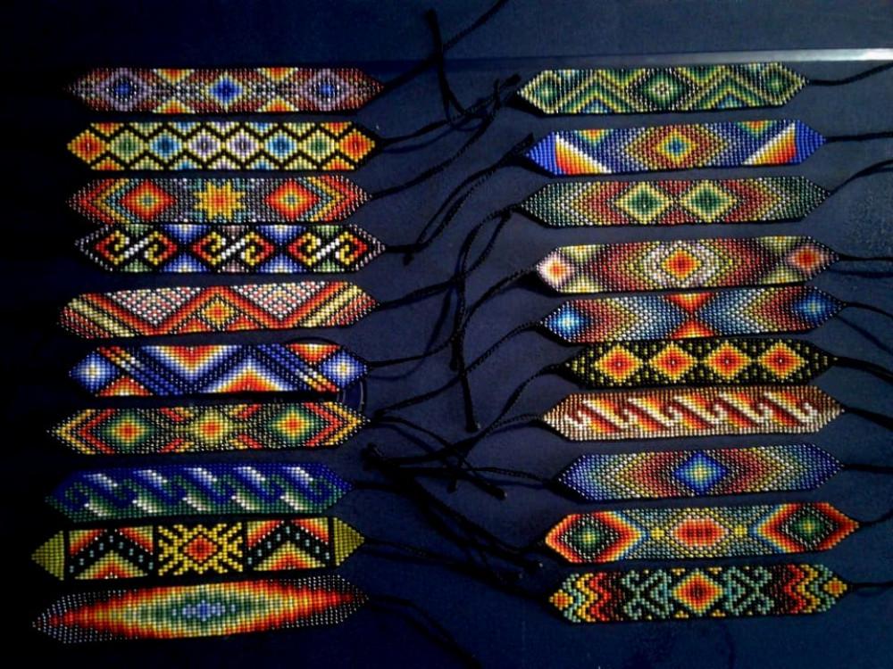 Manillas ceremoniales pequeñas / Small Ceremonial Wrist-Bands